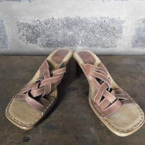 WHITE MOUNTAIN light brown heel slides sandals